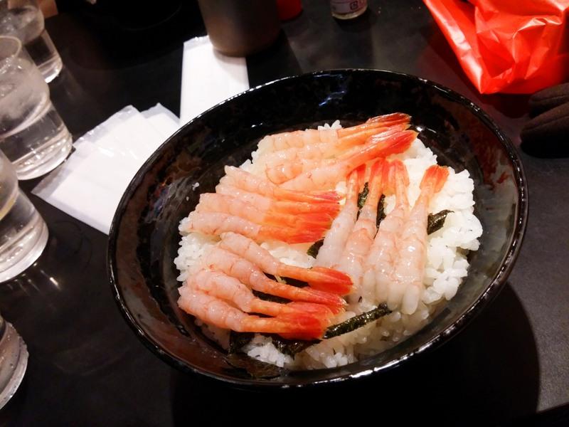 makan udang dan nasi di dotonbori