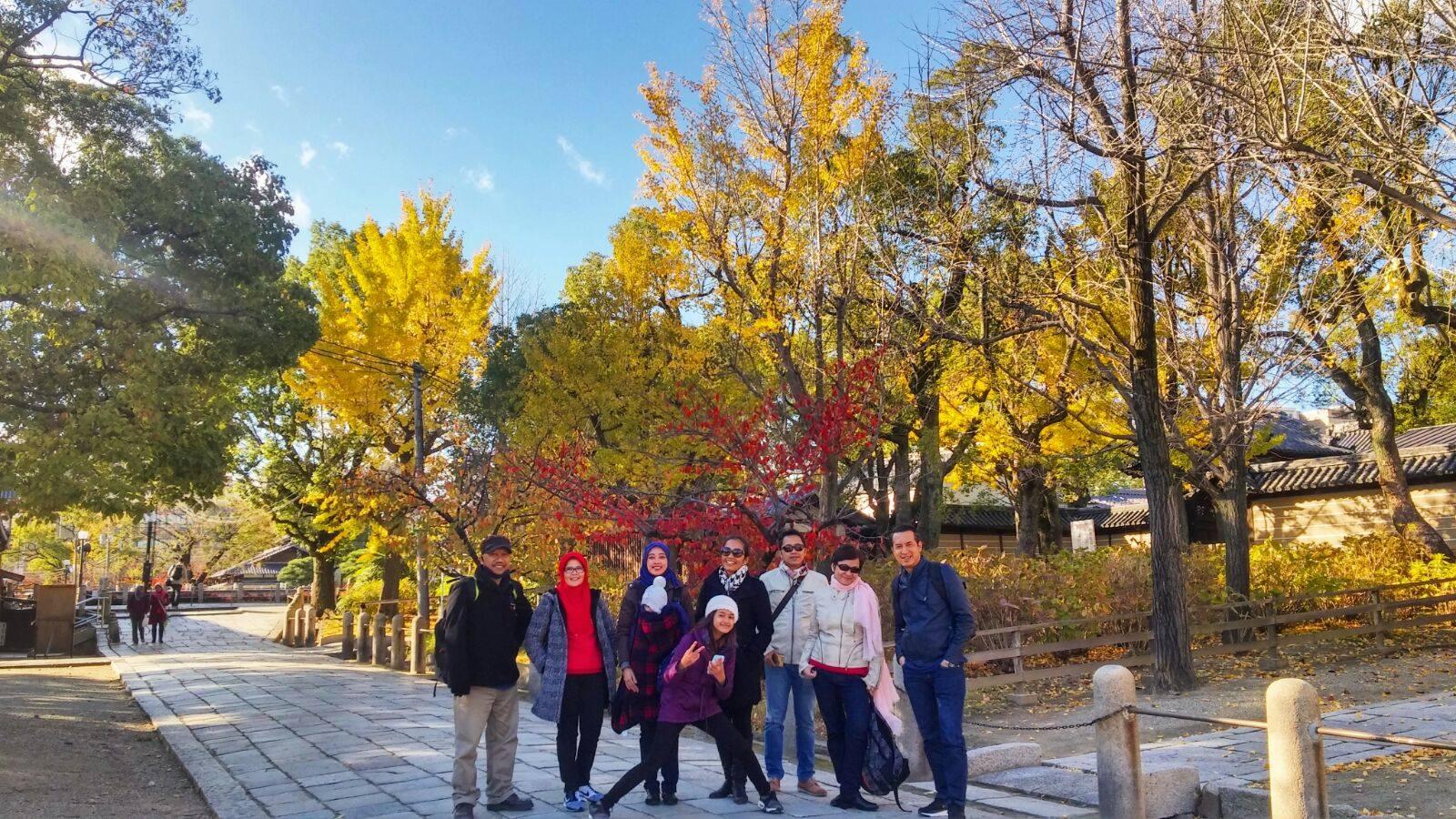 "Tour ke Jepang "" Romantic Autumn"" Osaka Kyoto Nara 2015"