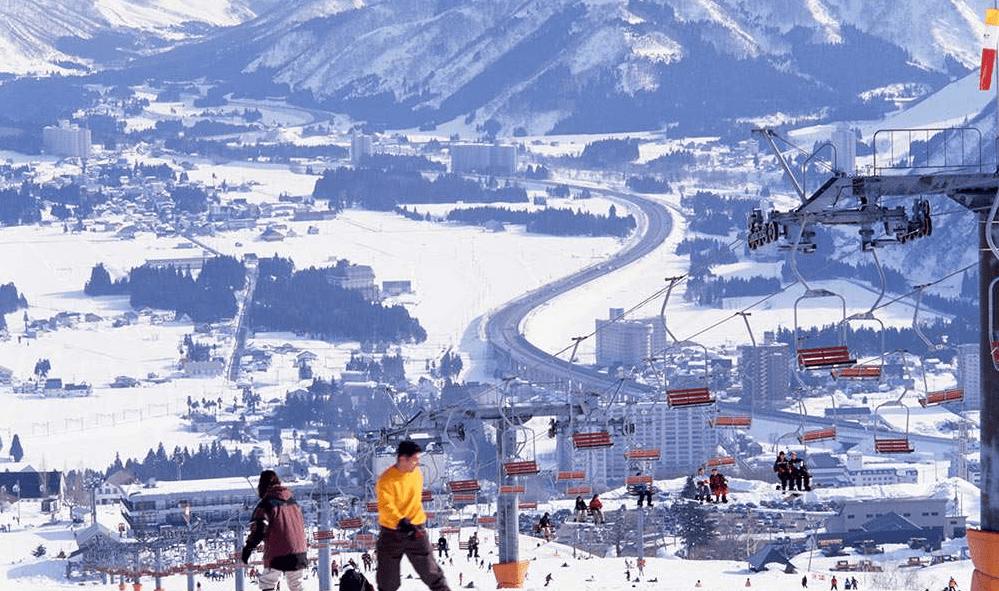 paket tour wisata musim dingin ski gala yuzawa di jepang 2016