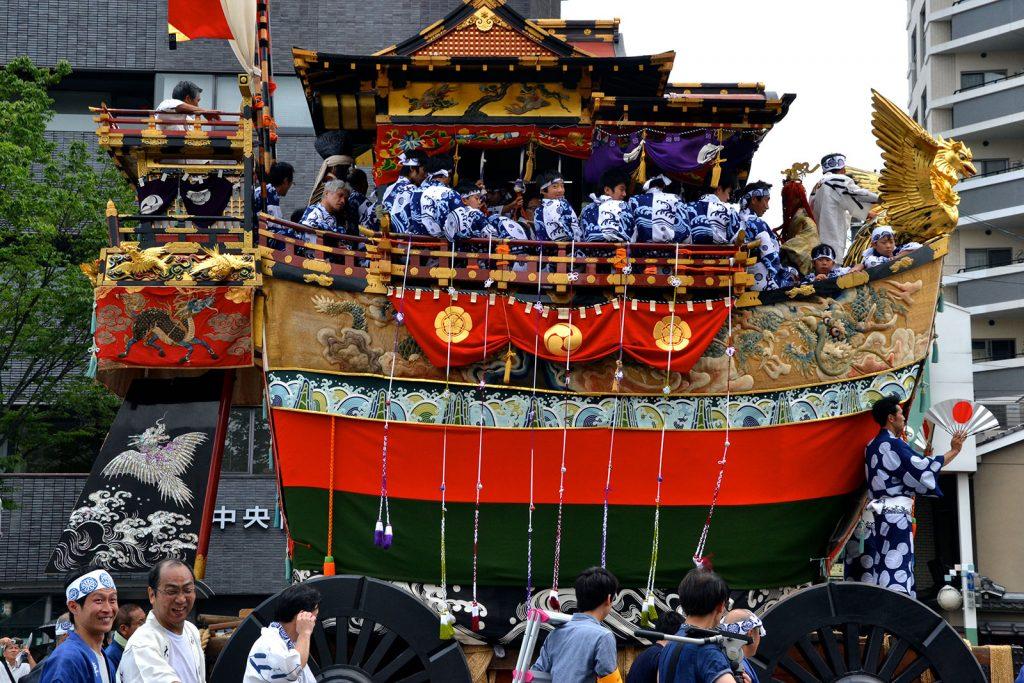 gion-festival by blog.gaijinpot.com