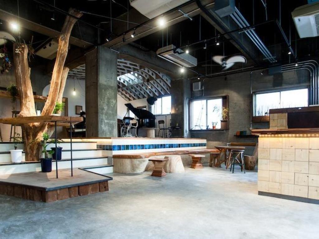 Nui. Hostel × Bar Lounge
