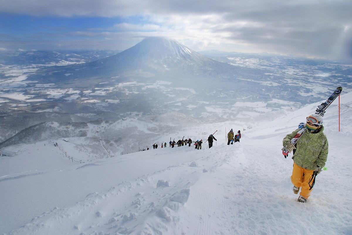 Image result for Ski di Niseko\