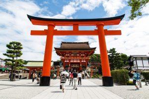 Jangan Lupa Kunjungi Fushimi Inari Taisha di Kyoto, Kuil Sekaligus Tempat Wisata Jepang yang Menarik