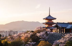 Tempat Wisata di  Kyoto? Ini dia 25 Best Things to Do di Kota Seribu Jinja